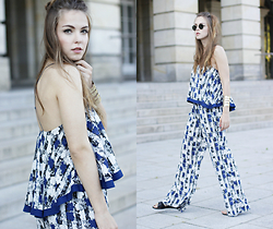 Dominique B. - Pepe Jeans London Jumpsuit, Ray Ban Sunglasses - Floral 70`s | goldschnee.com