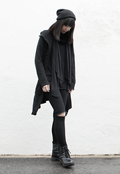 Michelle K - Diy Ripped Knee Jeans, H&M Black Boots, Pull & Bear Black Scarf, Forever 21 Black Beanie, H&M Black Cardigan - Shadow's Keeper