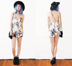 Gigi M. - Znu Flower Playsuit - Marigold