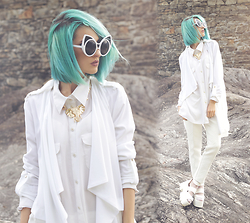 Gina Vadana - Freyrs Sunnies, La Moda Socks, La Moda Sandals, River Island Cardigan, H&M Necklace - THE WHITE ISSUE