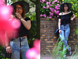 Joanna P. - Primark Hat, Zara Shirt, Primark High Waist Jean, Primark Slippers, Ali Express Bag - Typical summer