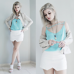 Lidia Zuin - Aiya Amethyst Ring, Aiya Amethyst Necklace, Cuteshop Reliquary Necklace, Calvin Klein Beige/Dirty White Leather Jacket, Zara White Asymmetric Shorts, Datelli White Sandals, Carmim Turquoise Top, Dark Paradise Fleur De Lis Earring, Miniminou Full Moon Ring - Turquoise and Amethyst