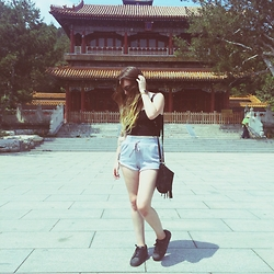 Sally S - Adidas Originals, Forever 21 Jersey Shorts - Beijing vibes