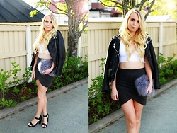 Matilda Wikblom - River Island Bag, H&M Crop Top - Saturday night look