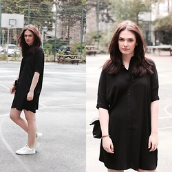 Marie J. - &Otherstories Shirt Dress, Adidas Stan Smith Sneakers, Cos Bag - Free the leg