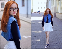 Elenah Kruk - Guess? Glasses, H&M Skirt, H&M Shirt, Levi's® Denim Vest, Geox Sandals - Denim Blueee