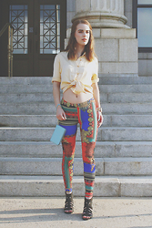 Kelsey B. - Nasty Gal Leggings, Aldo Wedges, Fossil Wristlet - How to style leggings with bold prints - [Pt. 1/Look2]