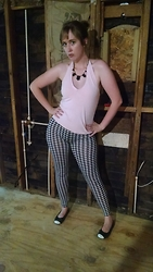 Rebecca - Gap Pink Vintage Sweater, Aliexpress Houndstooth Leggings - Patterned Tights??