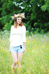 Selene D. - Diy Cropped Jeans, Vintage Ethnic Blouse, New Look Ethnic Boots - Festival look