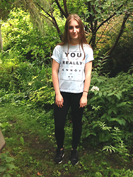 Amélia T. - Thrifted Tee, Dynamite Leggings, Topshop Sneakers - You really annoy me.