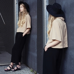 Zuzanna Wlodarz - Beige Blouse - Simple ootd