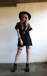 Michelle Cheung - Missguided Mesh Dress - ~•✯✡ Witch Vibes ✡✯•~