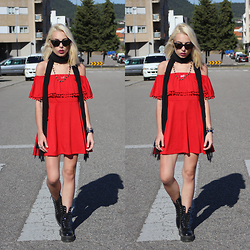 Cátia Gonçalves - Dr. Martens Chunky Boots, Dresslink Boho Dress - You'll never change what's been and gone