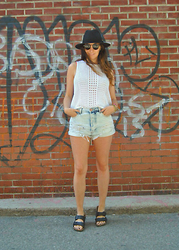 Emma Whyte - Topshop Top, All Saints Hat, One Teaspoon Shorts, Birkenstock Birks - Denim Days