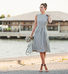 Viktoriya Sener - Tracyeinny Dress, Daniel Wellington Watch, Rebecca Minkoff Bag, Mango Sandals - THE LIGHT