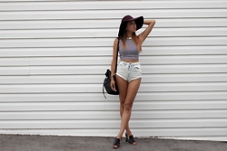 Jeannie Y - Sunday's Best Crop Top, Urban Outfitters Shorts, Clarks Heels, American Apparel Floppy Hat - Parallels