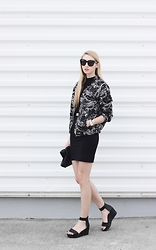 Pavlina J. - H&M Bomber Jacket, Lindex Skirt, Céline Sunnies, H&M Crop Top, Cos Flatform Sandals - Cheetah