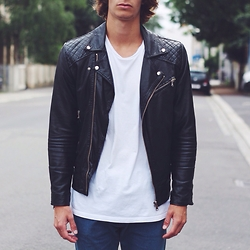 Richy Koll - Zara Leather Jacket, H&M Shirt, H&M Jeans - Mood.