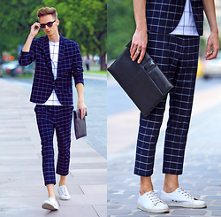 Chaby H. - Zara Navy Suit With White Edge Checks, Sarolt Leather Clutch - Suit UP!