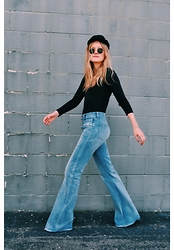 Kirby C - Aegean Hat, Madewell Jeans, Ray Ban Sunglasses - 7.12