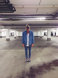 Richy Koll - Oversize Jeansjacket, H&M T Shirt, H&M Shirt, H&M Jeans, Vans Sneakers - Denim on denim.