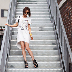 Sonya Karamazova - Vika Adamskaya T Shirt Dress - T-SHIRT DRESS