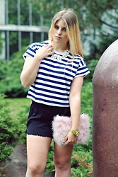Natalia Kędziora - H&M Striped Crop Top, Mohito Black Shorts - Stripes and marc jacobs flowers