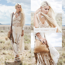 Sarah Loven - Anna Sui Kimono, Banjara Fringe Crop Top, Le Salty The Label Pants, Floggs Sandals, Midnite Leather Goods Fringe Bag, Poatri Necklace - Pale Drifter