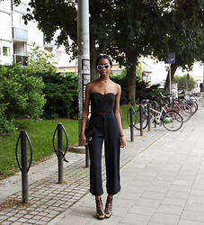 Sylvie Mus - H&M Top - WIDE TROUSERS