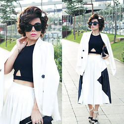 Priscila Diniz - Blazer, Skirt, Top, Sunglasses, Wig - That there's always someone fighting for you!