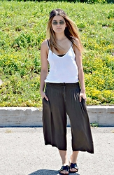 Madaby Mada - Boutique Tie Detail Tank, Ardene Culottes, Ardene Black Leather Criss Cross Slide Sandals - Cool-Not??