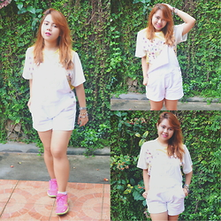Dana Lopez - Mango White Dungarees, Sm Dept Sunflower Top, Sketches Pink Sneaks - White Dungarees