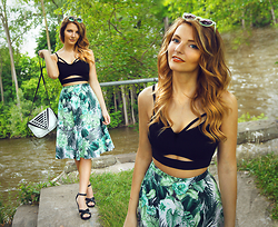 Melania Plasko - Black Strappy Knit Top, Diy Palm Skirt, She + Lo Bag - Let The Beat Build