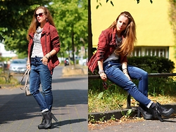 Rimanere Nella Memoria - Proud Fashion Jacket, Att Amor Trust & Truth Jeans, Bullboxer Boots - Casual Day with Boyfit Jeans