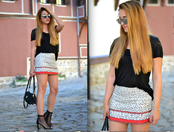 Martina Manolcheva - H&M T Shirt, Zara Skirt, Bracelet - Mini Sequin Skirt