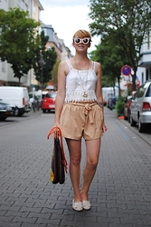 Monique K.... - Shorts, Top - Summer in mainz