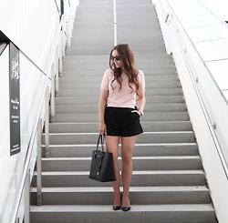 Therez Hahlin Gina Tricot Suit, Michael Kors Jet Set Bag