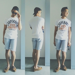 Laurence Villlaruel - Thrifted Universal Studios Cap, Superdry White Shirt, Lee Diy Cutted Shirts, American Eagle Outfitters Shoes - YOUNG BLOOD