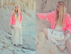 Milena Olimpia Dziewulska - River Island Kimono, H&M Dress, H&M Shoes, H&M Wreath, Second Hand Bag - Hippie time
