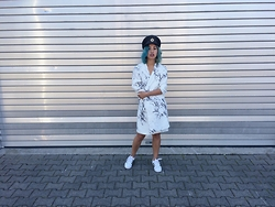 Elli Drake - Adidas Sneakers, Gina Tricot Coat, Vintage Hat, H&M Earrings - Ahoi