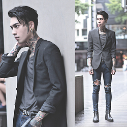 IVAN Chang - Asos Super Skinny Suit Jacket In Charcoal, Asos T Shirt, Asos Boot - 070815 TODAY STYLE