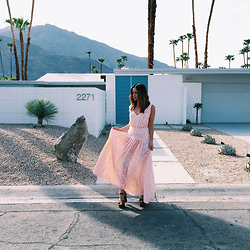 Friend in Fashion * - Polka Dot Maxi, 70s - POLKA DOTS IN PALM SPRINGS