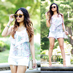 BLESSIE - Nasty Gal Cat Eye Sunglasses, American Eagle Outfitters Floral Top, Calvin Klein Chunky Heeled Sandals - SUNLIT