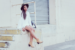 Nydia Enid - Zara Flowy Blouse, Pacsun Nude Ankle Boots, Pacsun Wide Brim Hat - Urban Boho / Casual LOOKBOOK