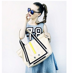 Maria Braicova - Zara Sporty Dress, Onlineshop Bag, Nobrand Glasses - SportsToday