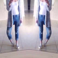 Antoinette Frances - Primark Ripped Jeans, Forever 21 Metallic Shoes - Lazy days// Boyfriend Jeans