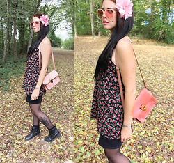 Anja - Forever 21 Floral Short Dress Shirt In Black, Red & Olive, Primark Small Bag, Vinted Black Boots - Pull the thorns from your heart.