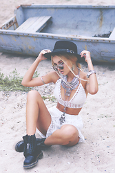 Krist Elle - Boho Top, Bohemian Necklace, Boho Shorts, Dr. Martens Boots, Zerouv Sunglasses - SUMMER FESTIVAL LOOK