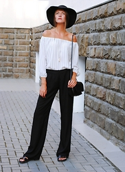 Yulia Sidorenko - Dressgal Off The Shoulder Top, Dresslink Bag, Centro Hat, H&M Sandals - Feminine