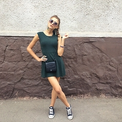 Maryana Yusypchuk - Topshop Dress, Topten Glasses, Converse Shoes - Green Day